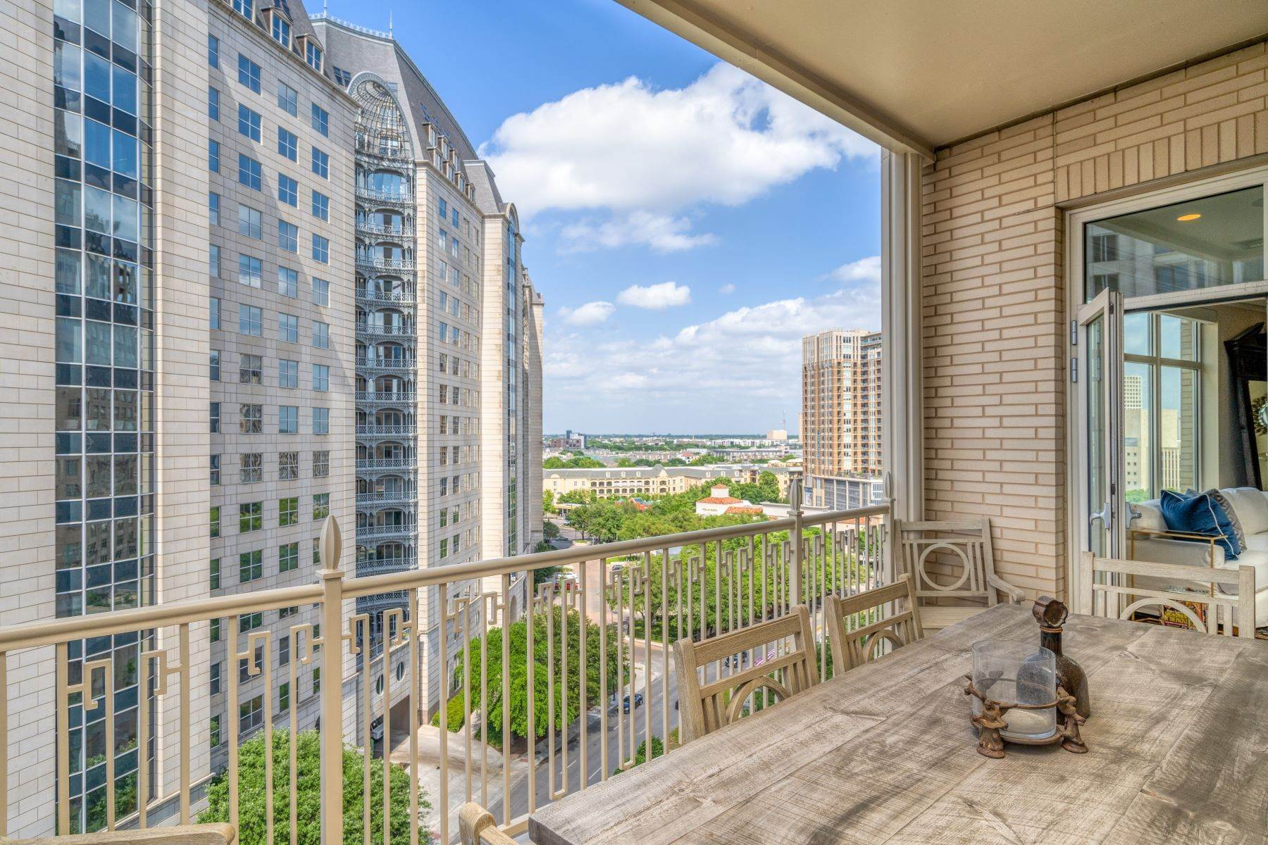 26. Condominiums for Sale at Ritz-Carlton Luxury and Convenience 2555 N. Pearl Street, #1004 Dallas, Texas 75201 United States