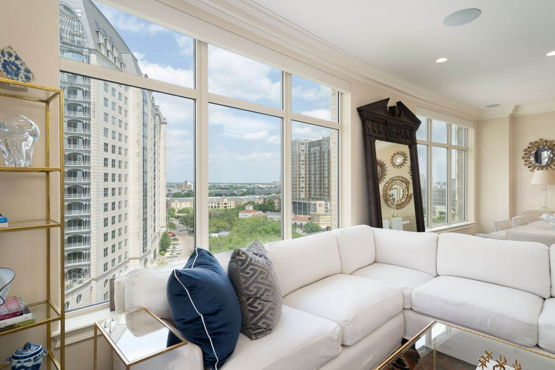 2. Condominiums for Sale at Ritz-Carlton Luxury and Convenience 2555 N. Pearl Street, #1004 Dallas, Texas 75201 United States