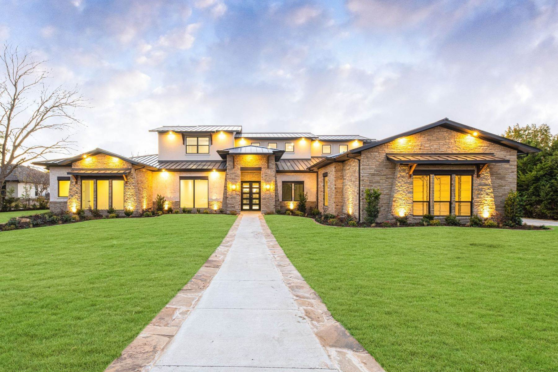 Single Family Homes for Sale at Lakefront Hill Country Contemporary 1420 Hubbard Drive Heath, Texas 75032 United States