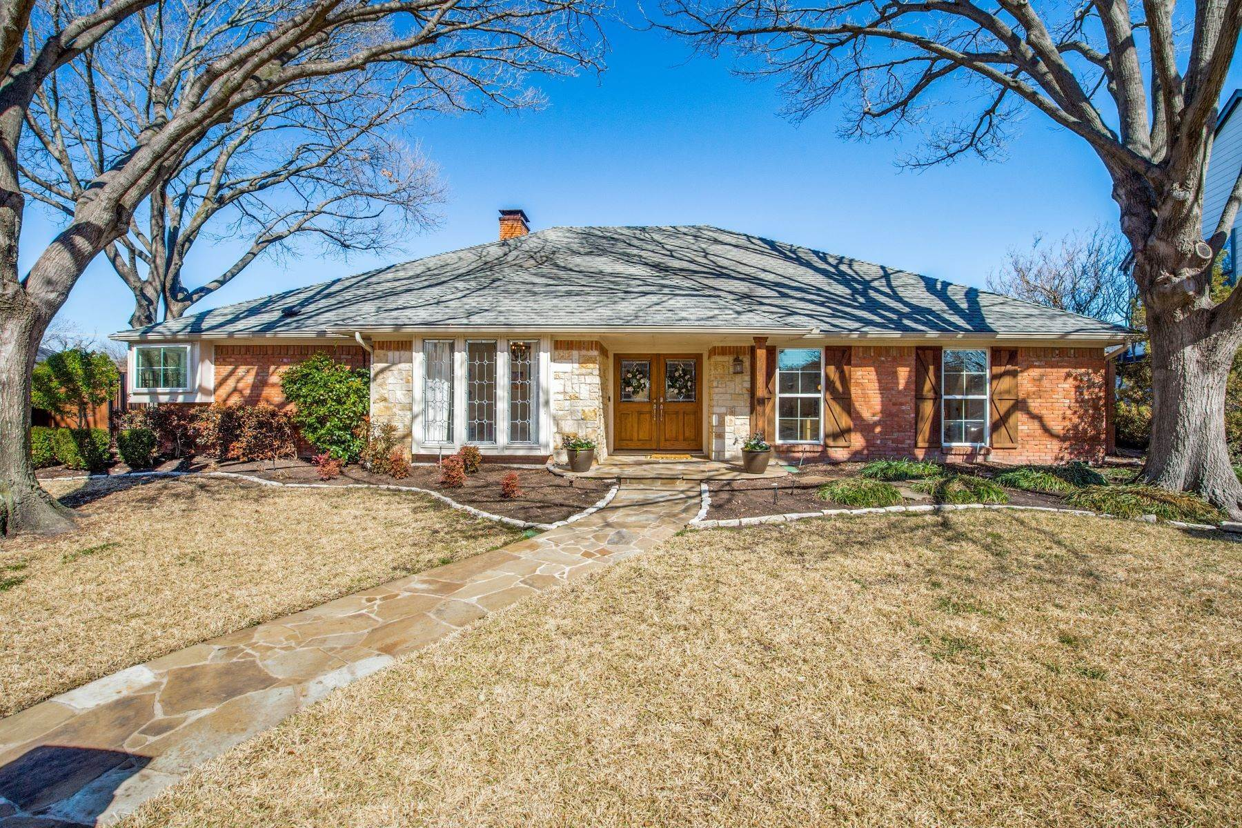 Single Family Homes for Sale at Remodeled Prestonwood Transitional 7323 Carta Valley Drive Dallas, Texas 75248 United States