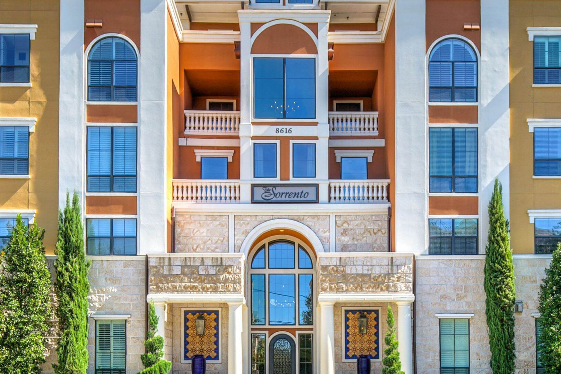 16. Condominiums for Sale at 8616 Turtle Creek Boulevard #310 8616 Turtle Creek Boulevard, #310 Dallas, Texas 75225 United States