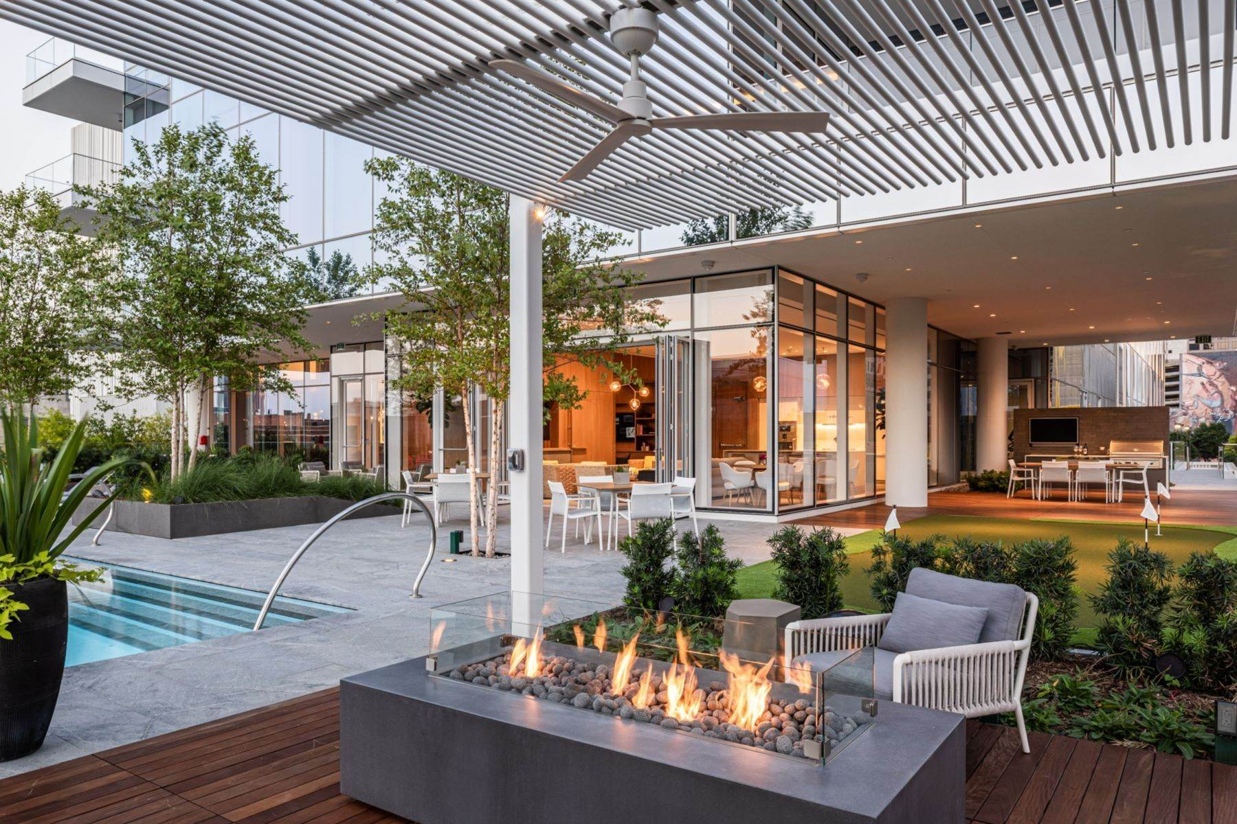 28. Condominiums for Sale at HALL Arts Residences 1747 Leonard Street, #2701 Dallas, Texas 75201 United States