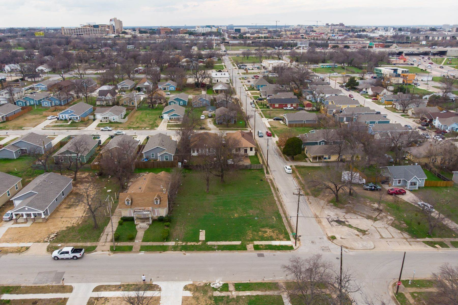 10. Land for Sale at Build your dream home on this over-sized lot 1300 New York Avenue Fort Worth, Texas 76104 United States