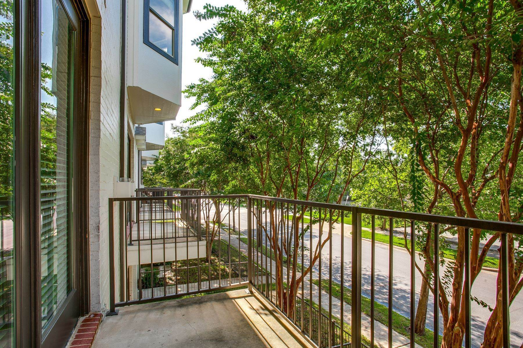 34. Condominiums at Luxurious Townhouse 4502 Holland Avenue, #103 Dallas, Texas 75219 United States