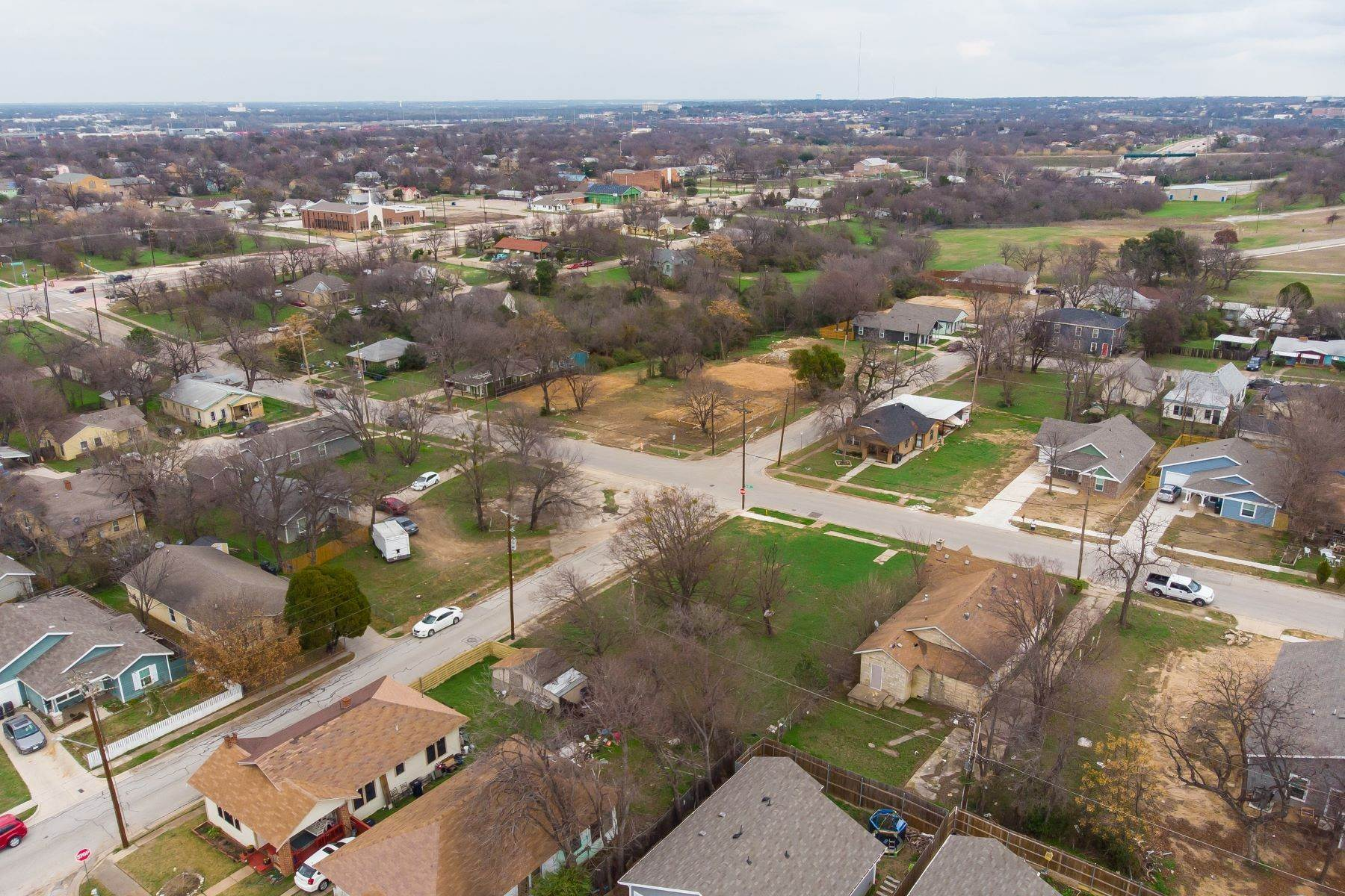 5. Land for Sale at Build your dream home on this over-sized lot 1300 New York Avenue Fort Worth, Texas 76104 United States