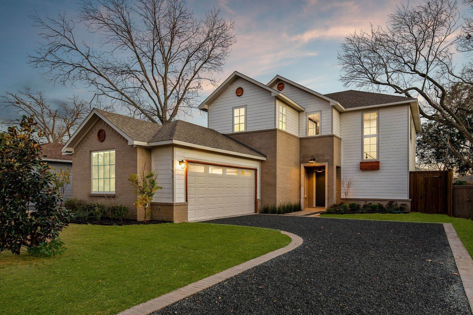 Single Family Homes for Sale at Midway Hollow Modern Transitional 3752 Park Lane Dallas, Texas 75220 United States