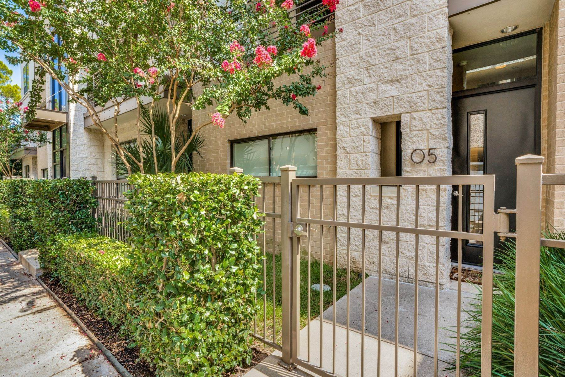 townhouses for Sale at Premier Location on Quiet Tree-Lined Street 4140 Newton Avenue, #5 Dallas, Texas 75219 United States