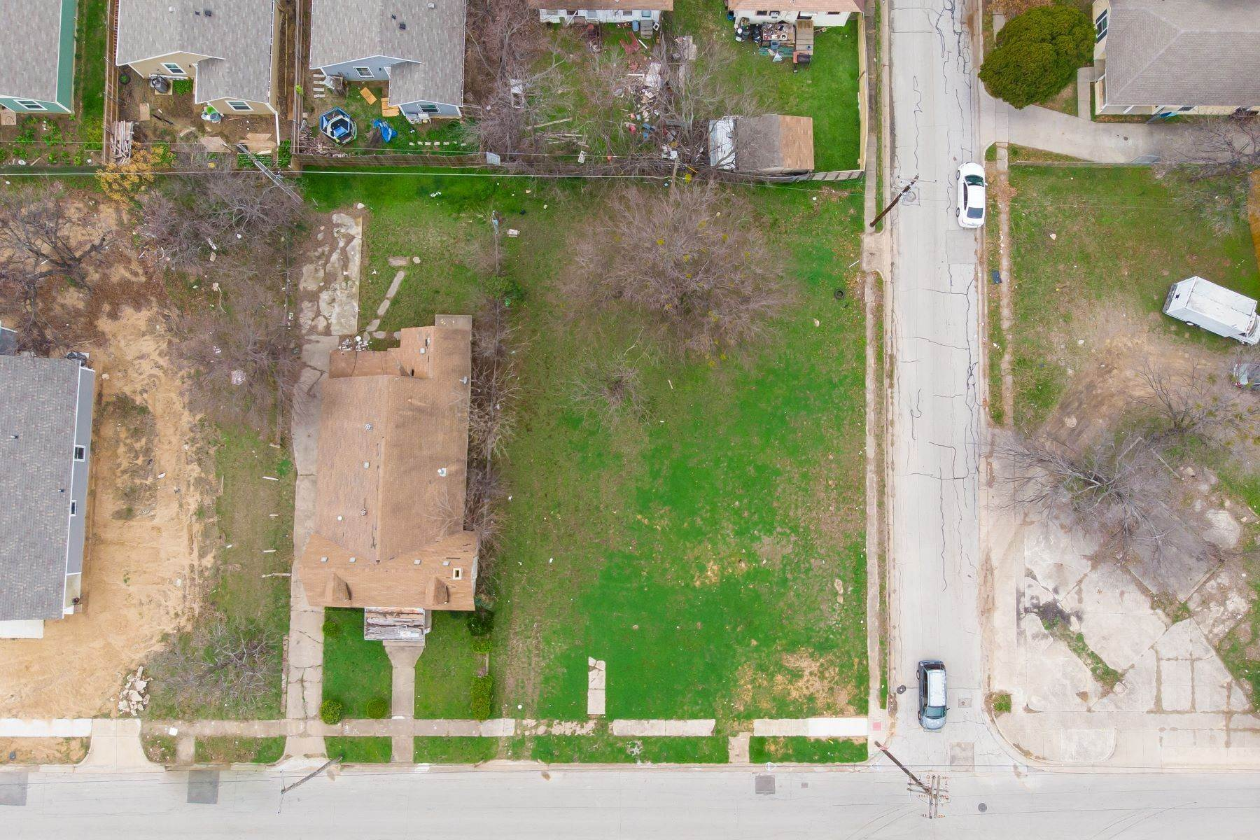 11. Land for Sale at Build your dream home on this over-sized lot 1300 New York Avenue Fort Worth, Texas 76104 United States