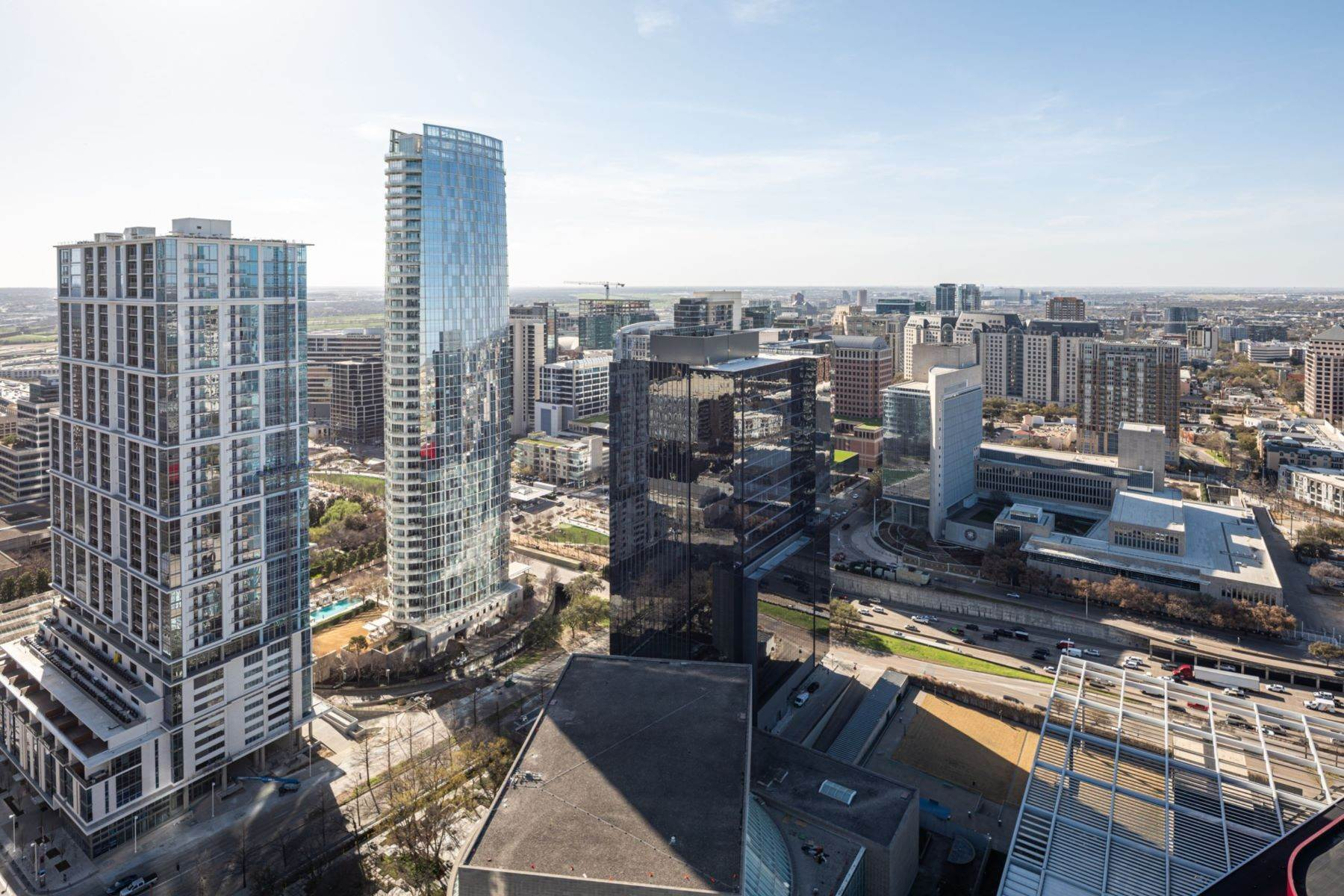 7. Condominiums for Sale at HALL Arts Residences 1747 Leonard Street, #2701 Dallas, Texas 75201 United States