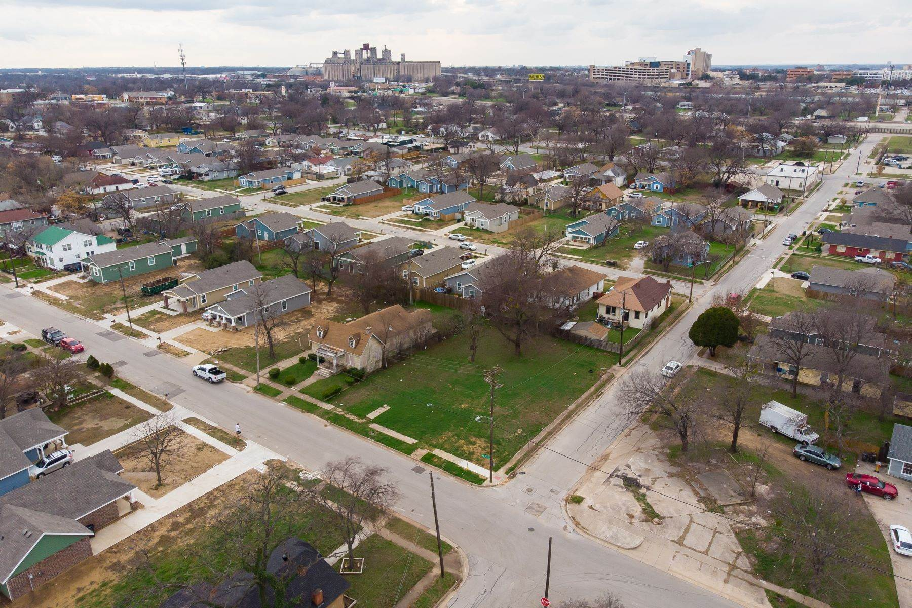 3. Land for Sale at Build your dream home on this over-sized lot 1300 New York Avenue Fort Worth, Texas 76104 United States