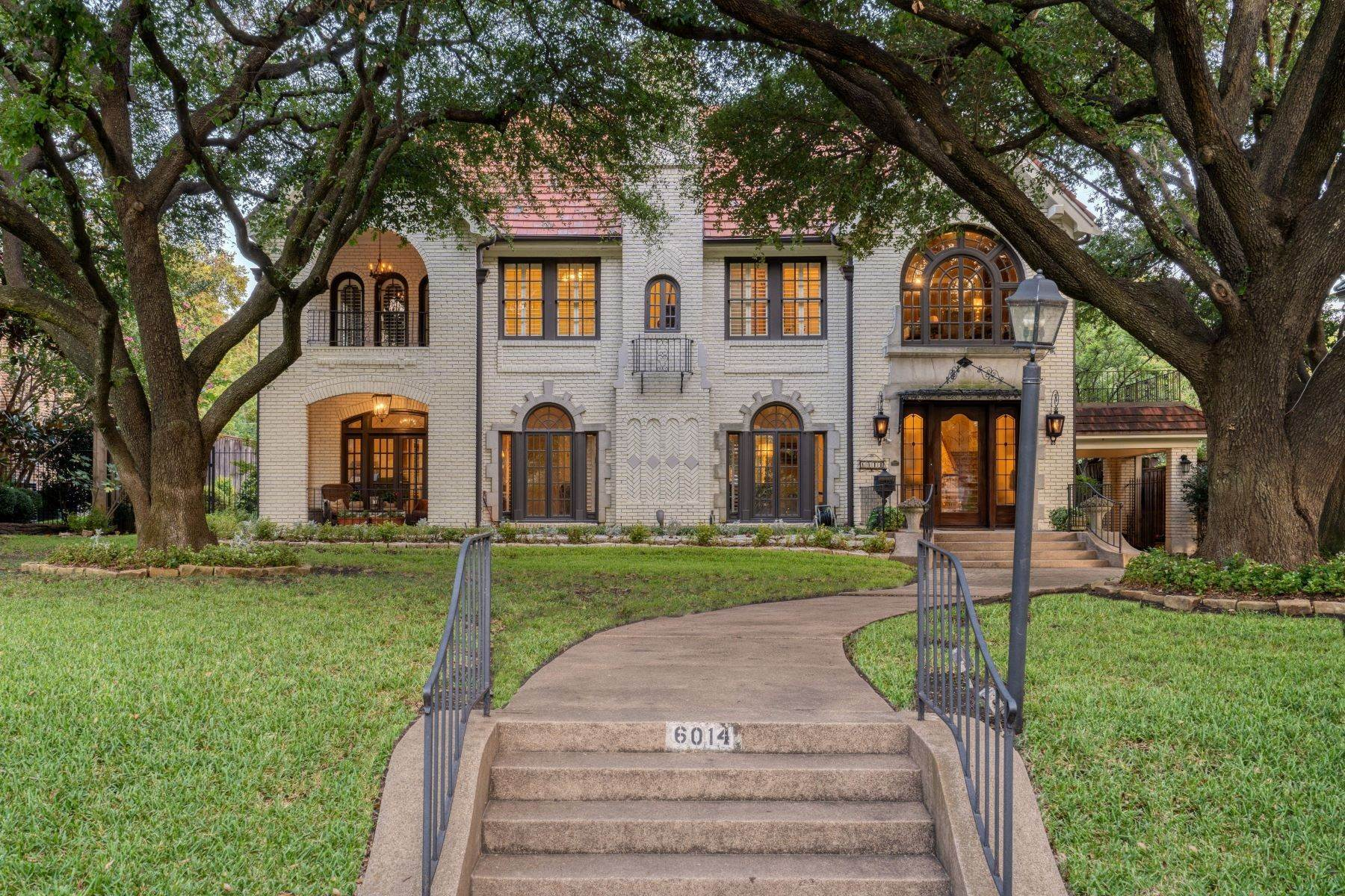 Single Family Homes for Sale at 6014 Swiss Avenue, Dallas, TX, 75214 6014 Swiss Avenue Dallas, Texas 75214 United States