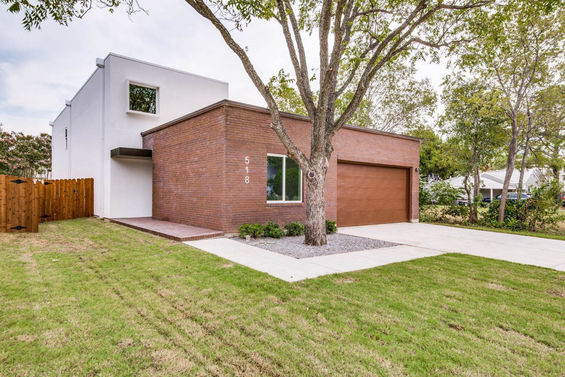 Single Family Homes for Sale at Modern New Construction in Irving 518 English Street Irving, Texas 75061 United States