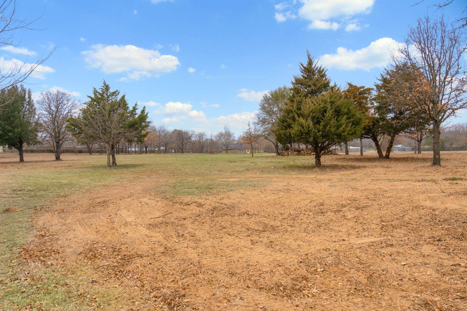Land for Sale at Beautiful, One Acre Lot in the Heart of Tarrant County 9009 Rumfield Drive North Richland Hills, Texas 76182 United States