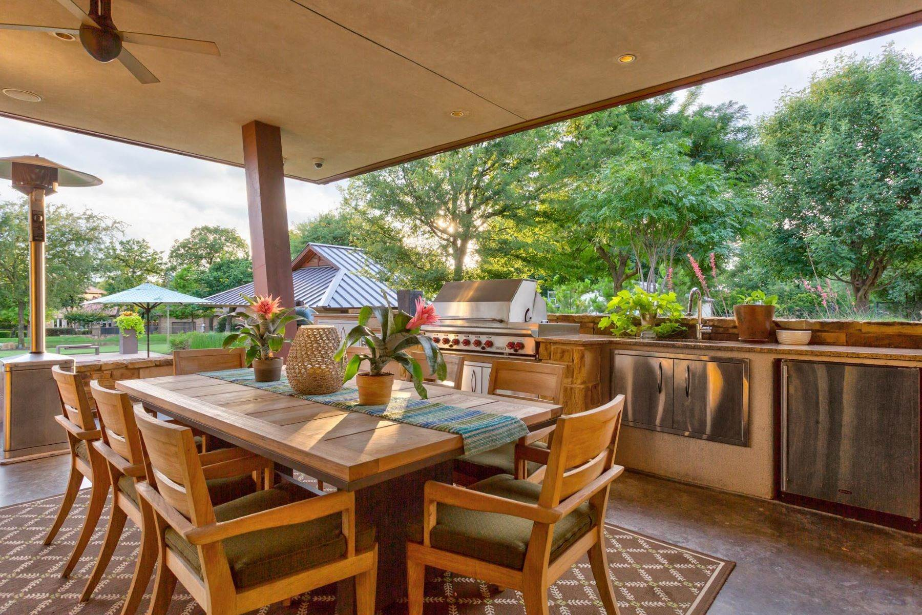 26. Single Family Homes for Sale at Sustainable Ranch Style Home with Mid-Century Flair 4808 Bill Simmons Road Colleyville, Texas 76034 United States