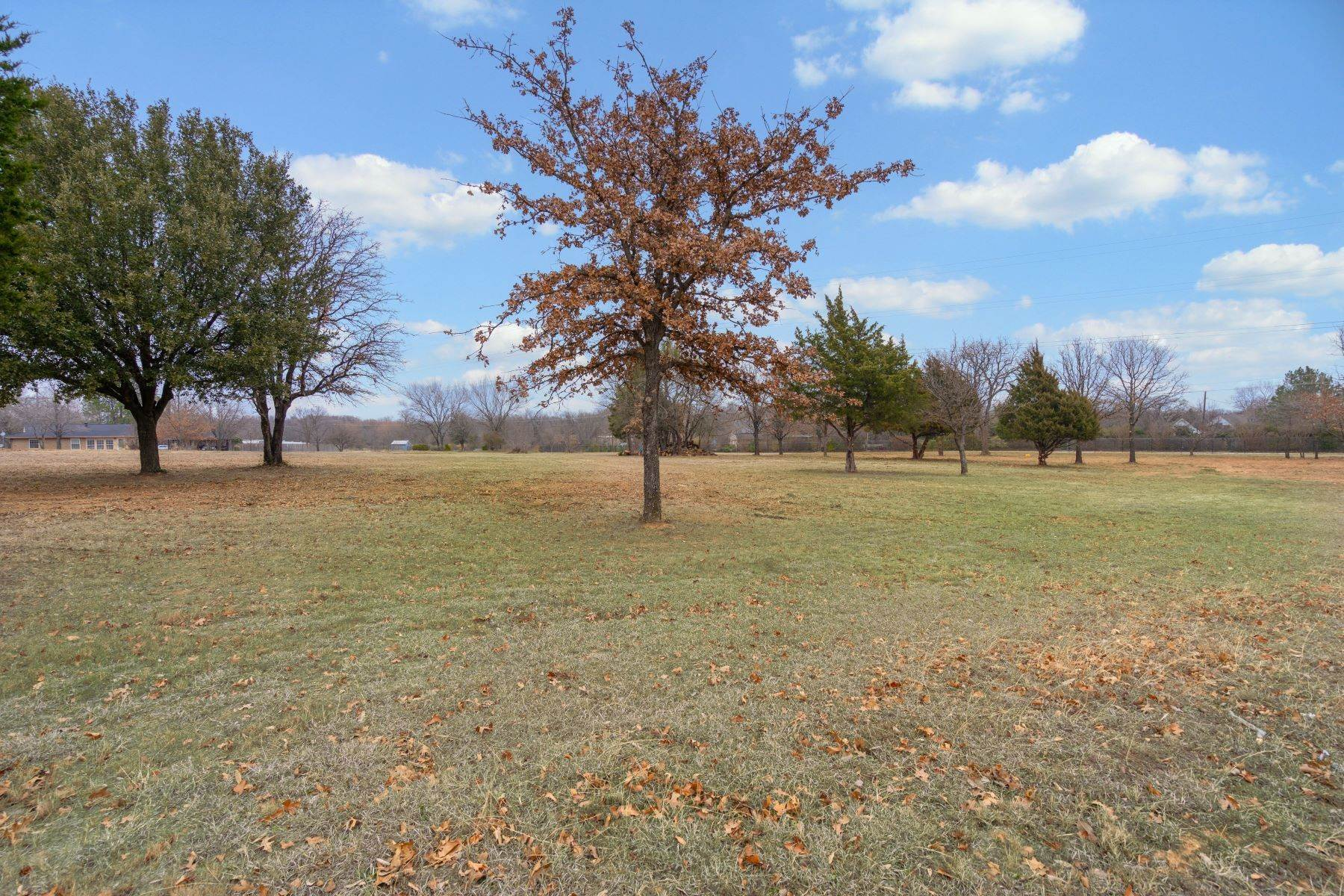 2. Land for Sale at Beautiful, One Acre Lot in the Heart of Tarrant County 9009 Rumfield Drive North Richland Hills, Texas 76182 United States