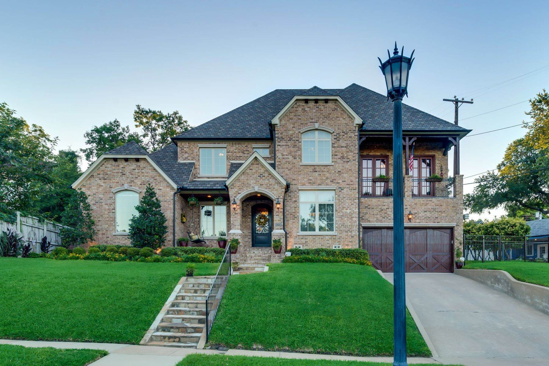 Single Family Homes for Sale at 2448 Winton Terrace, Fort Worth, TX, 76109 2448 Winton Terrace Fort Worth, Texas 76109 United States