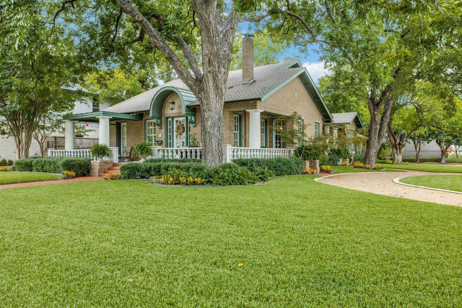Single Family Homes for Sale at Overflowing with Charm 6135 Tremont Street Dallas, Texas 75214 United States