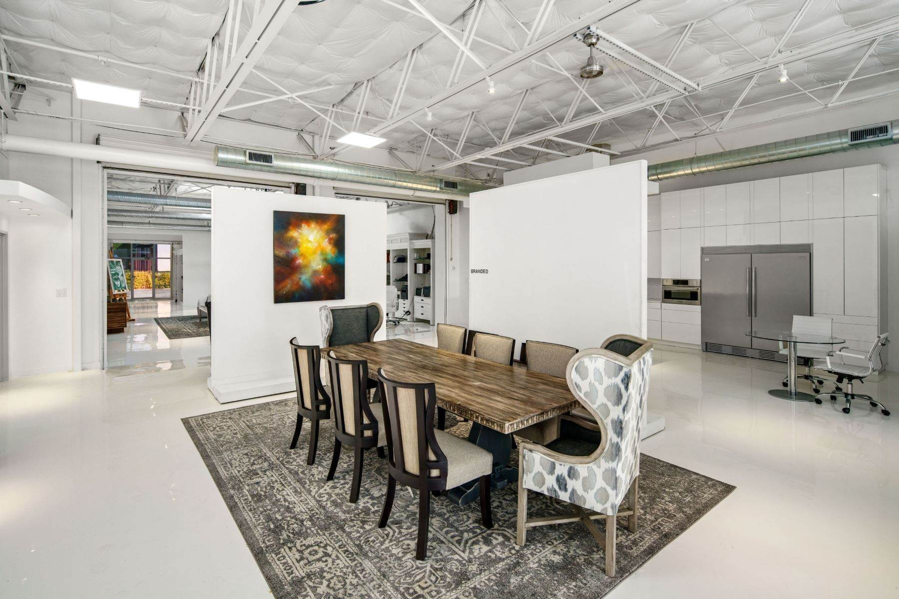 14. Condominiums for Sale at Extraordinary Dallas Design District Live+Work+Play Multi Use Home 2231-2233 Valdina Street, #102 Dallas, Texas 75207 United States