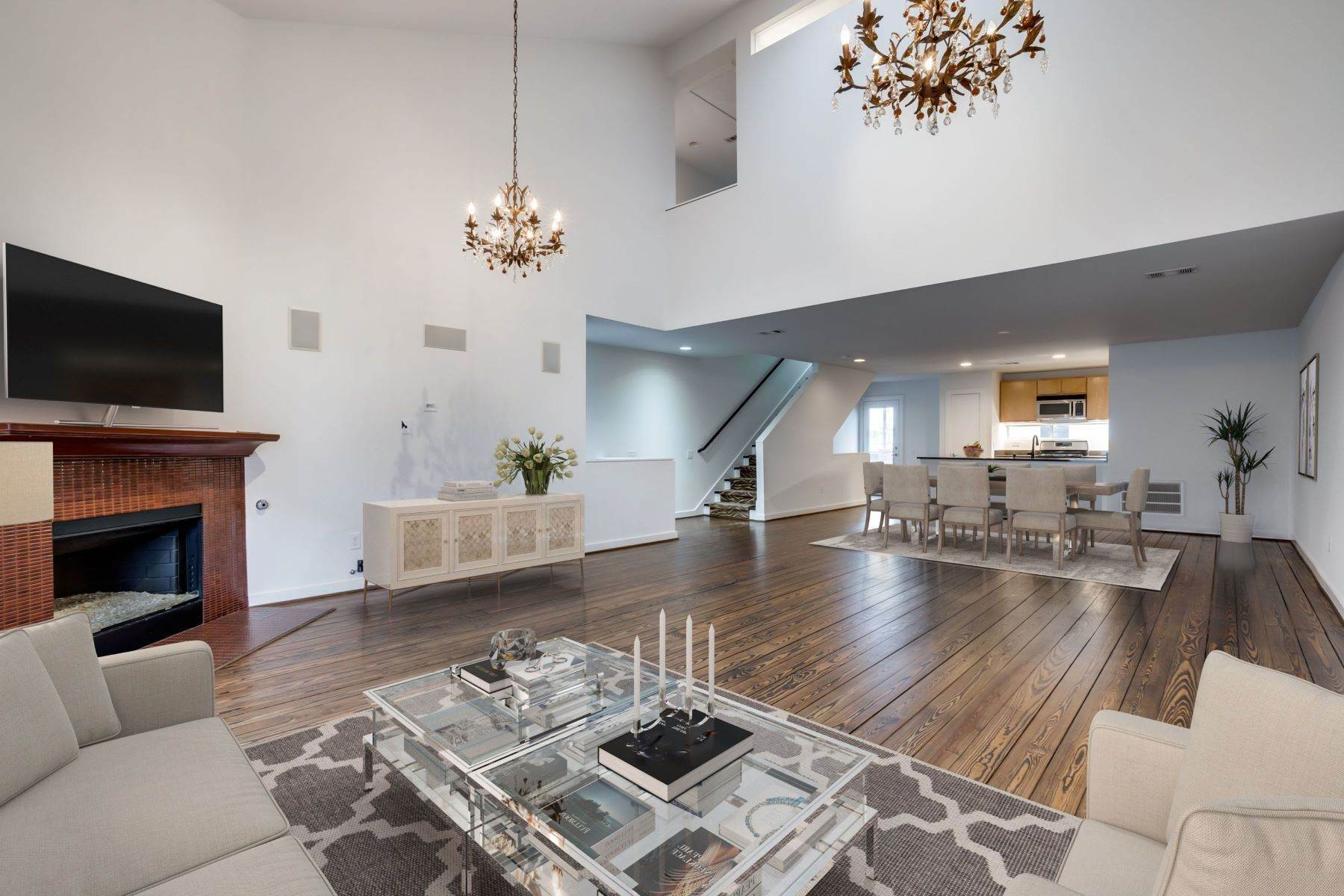 townhouses for Sale at Trendy Townhome 1513 Caddo Street Dallas, Texas 75204 United States