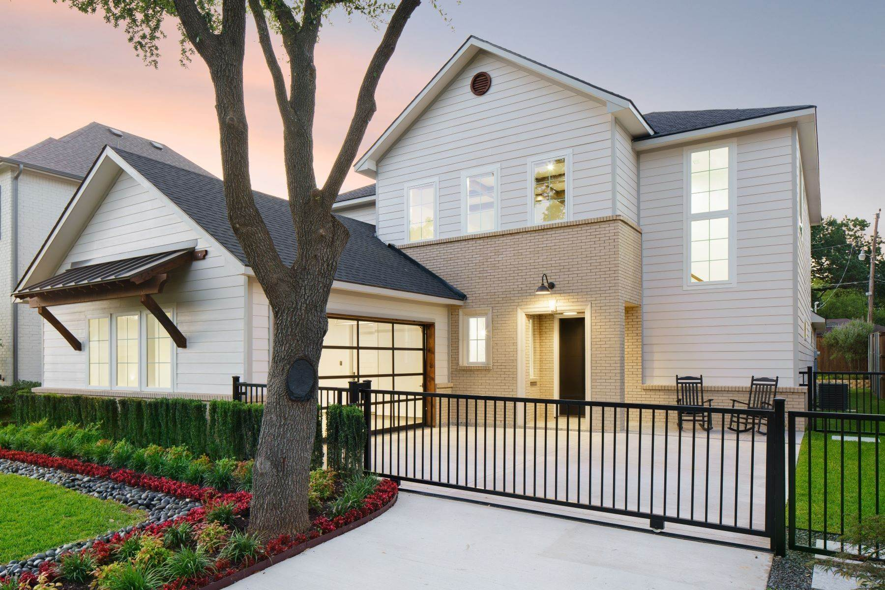 4. Single Family Homes for Sale at Midway Hollow Modern Transitional 3935 Lively Lane Dallas, Texas 75220 United States