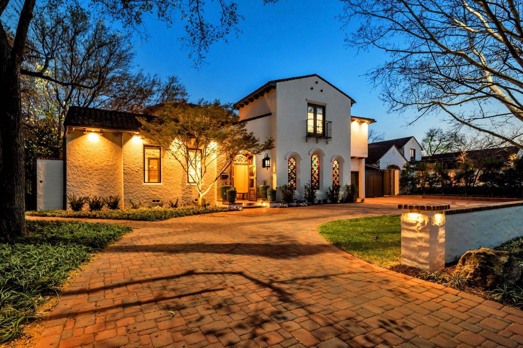 Single Family Homes for Sale at Stately Mediterranean in Bluffview 4618 Cherokee Trail Dallas, Texas 75209 United States