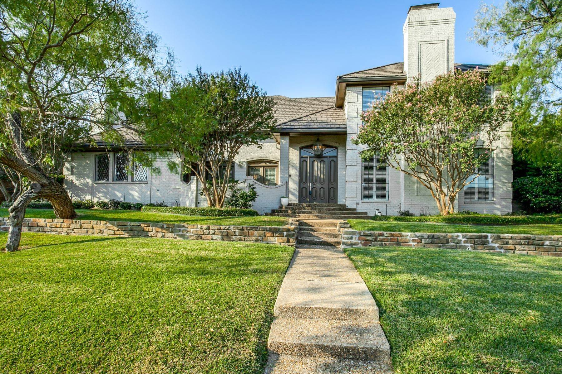 Single Family Homes for Sale at Timeless Las Colinas Home in Private and Secure Cottonwood Valley 4413 Caesar Lane Irving, Texas 75038 United States