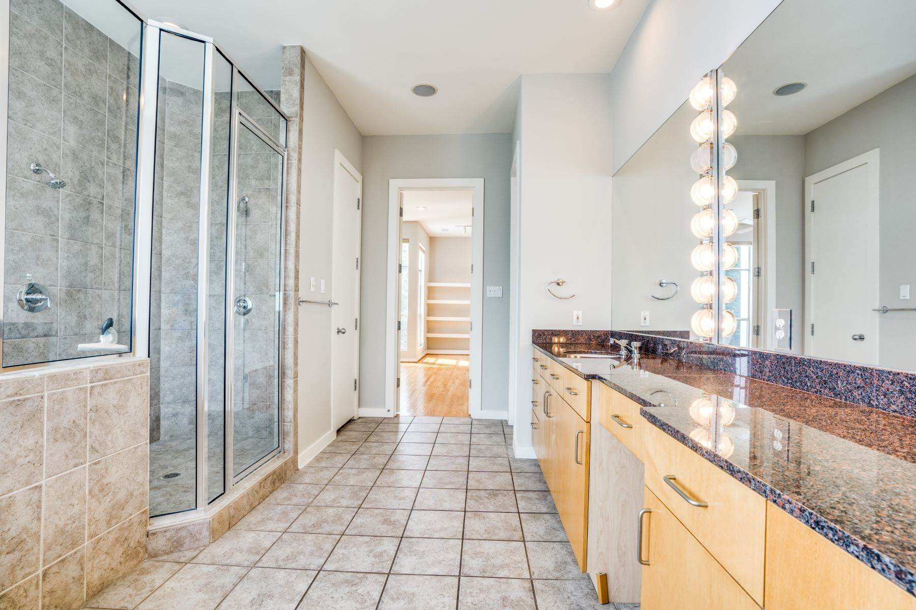 18. townhouses for Sale at Clean, Contemporary, Open Concept 3-Bedroom Townhouse 3925 Gilbert Avenue, #C Dallas, Texas 75219 United States