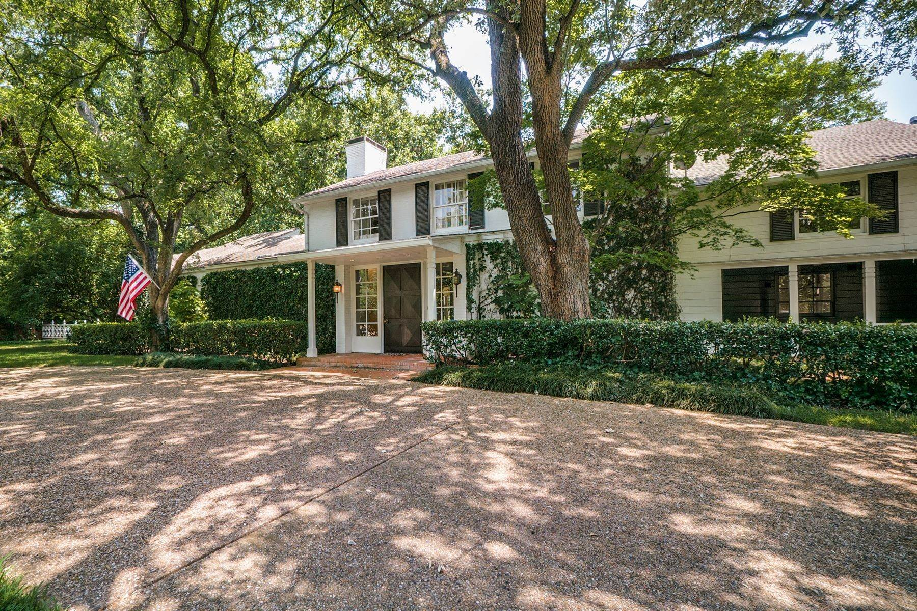 Property at Old Preston Hollow Charming Estate 5722 Chatham Hill Road Dallas, Texas 75225 United States