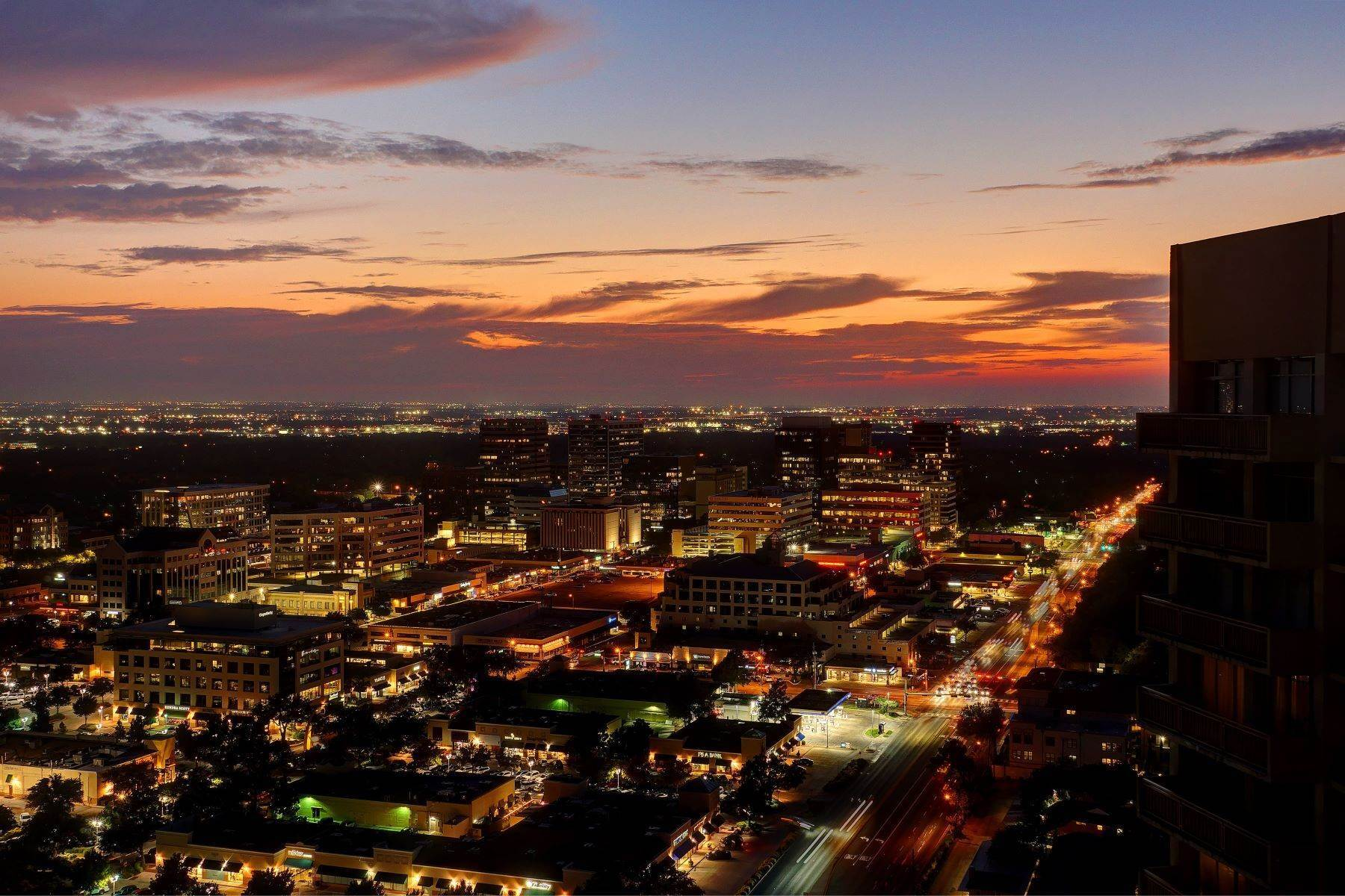 Condominiums for Sale at Updated Penthouse with Spectacular Southern Views 6211 Northwest Highway, Unit# 2907 Dallas, Texas 75225 United States