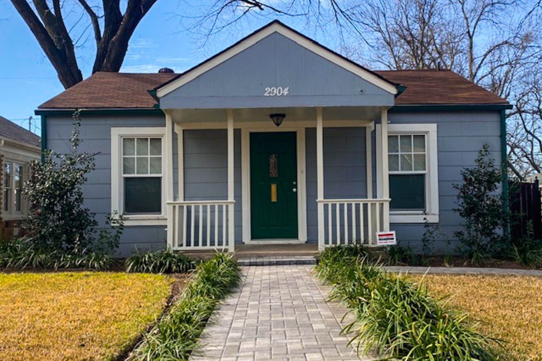 Single Family Homes for Sale at 2904 Willing Avenue, Fort Worth, TX, 76110 2904 Willing Avenue Fort Worth, Texas 76110 United States