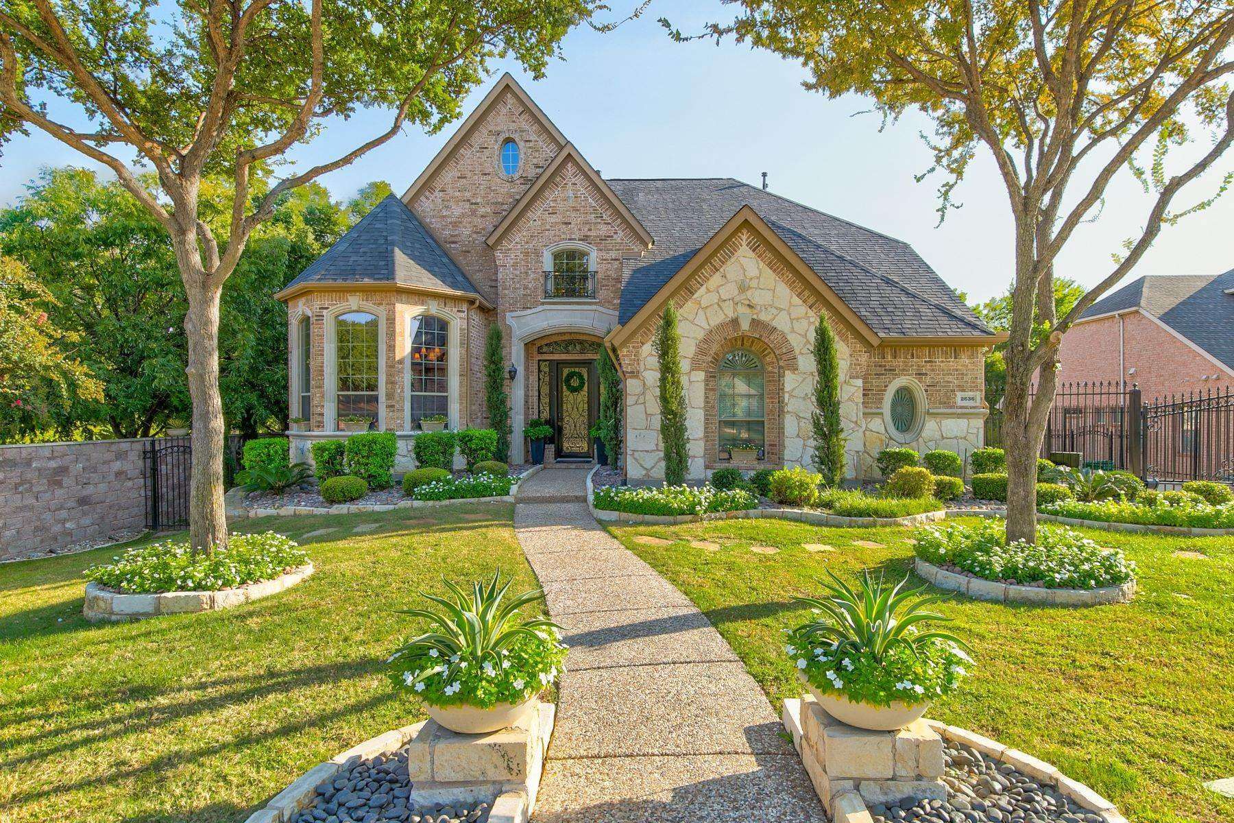 Single Family Homes for Sale at 2636 Elmbrook Drive, Carrollton, TX, 75010 2636 Elmbrook Drive Carrollton, Texas 75010 United States