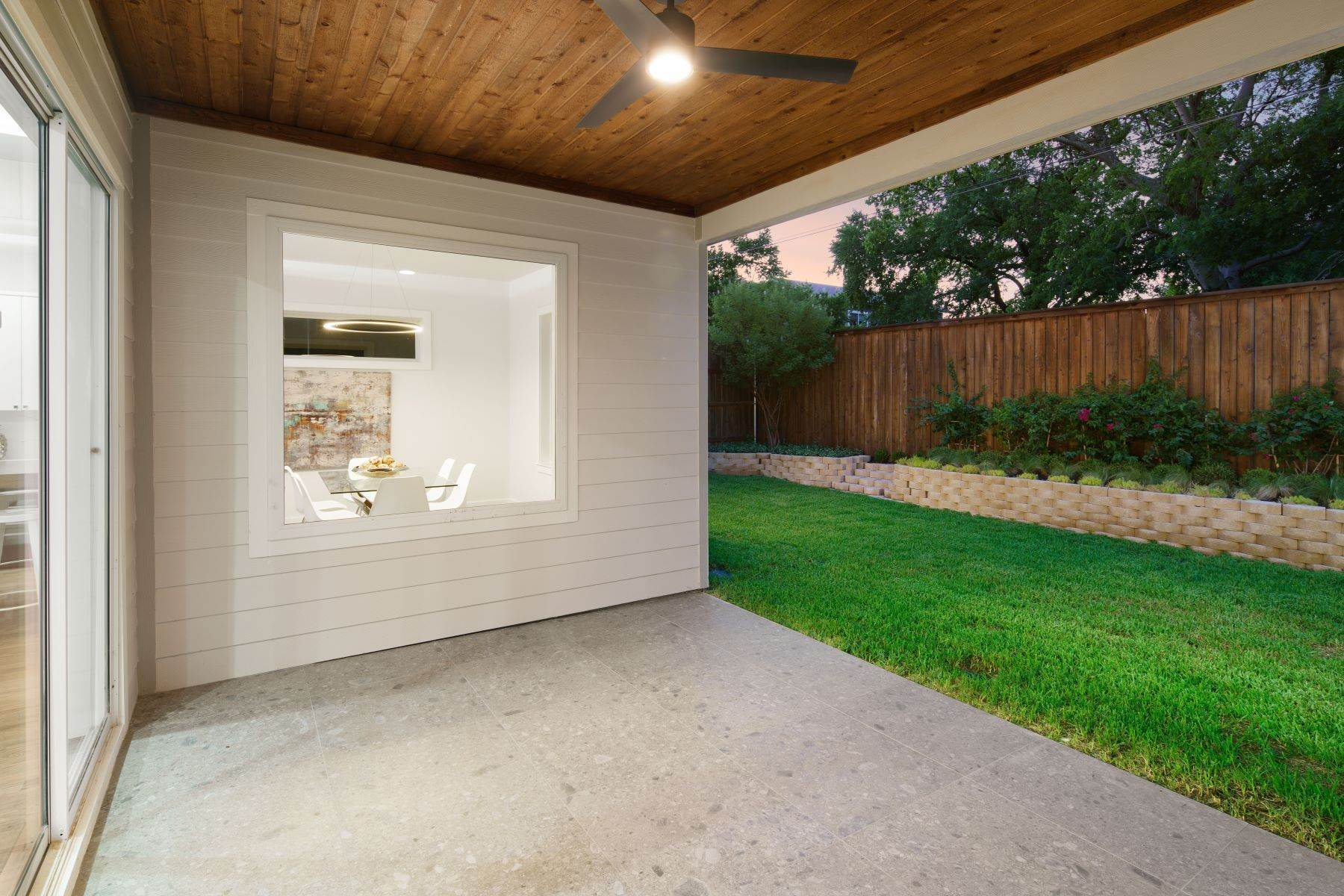 31. Single Family Homes for Sale at Midway Hollow Modern Transitional 3935 Lively Lane Dallas, Texas 75220 United States