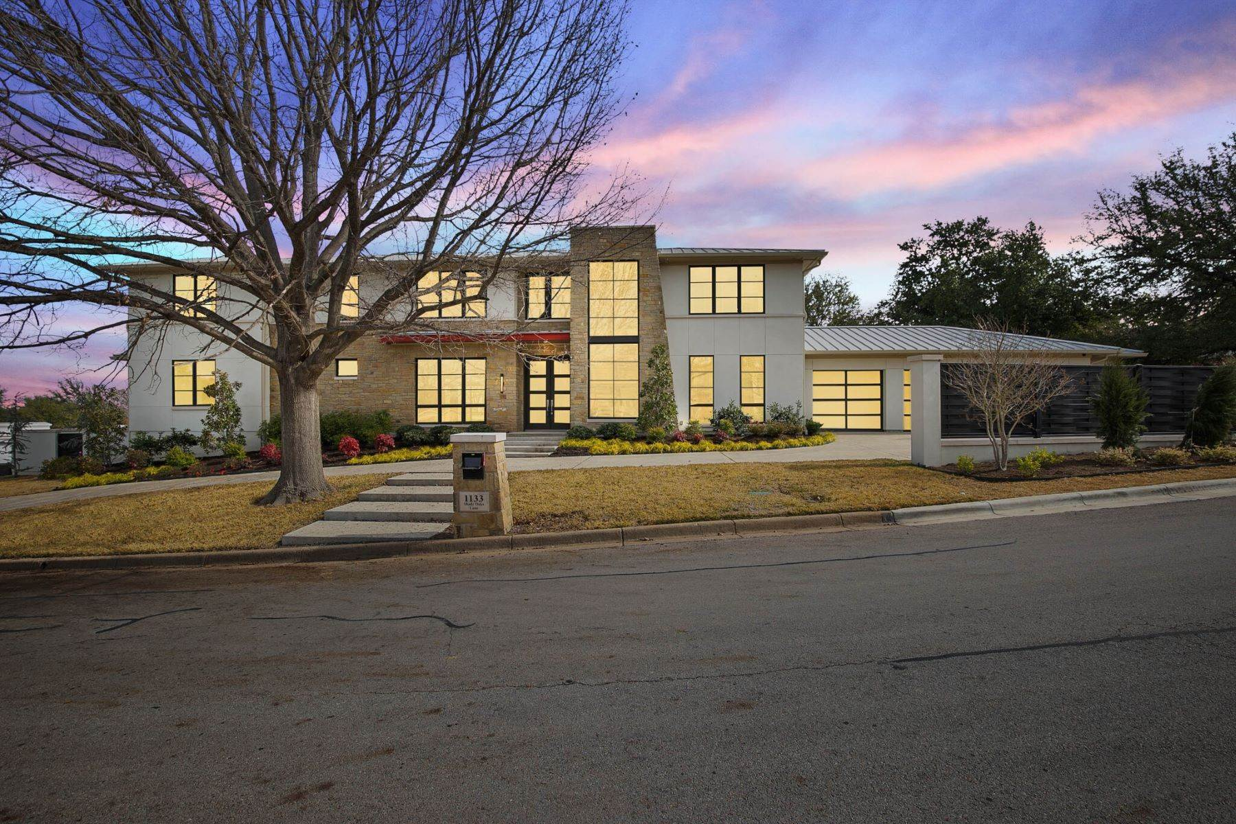 Single Family Homes for Sale at 1133 Shady Oaks Lane, Westover Hills, TX, 76107 1133 Shady Oaks Lane Westover Hills, Texas 76107 United States