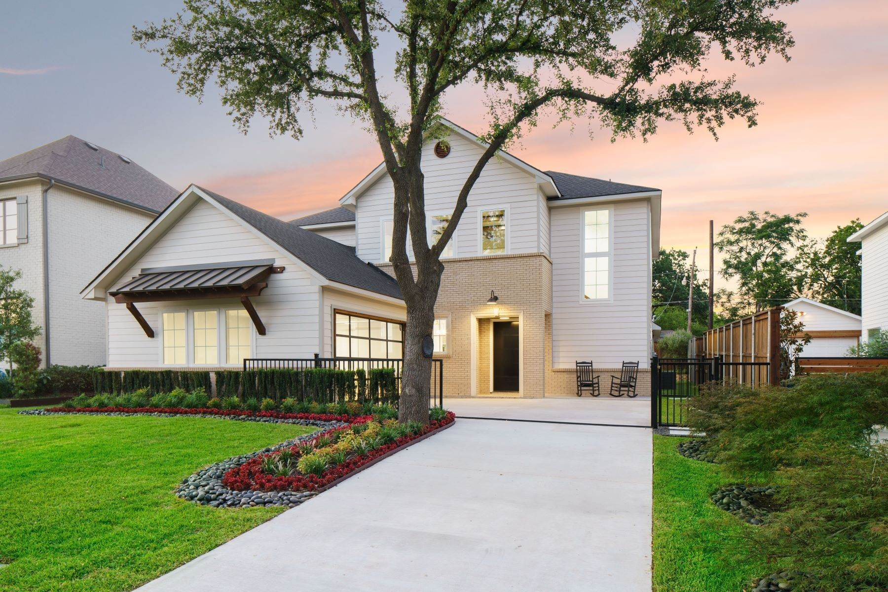 2. Single Family Homes for Sale at Midway Hollow Modern Transitional 3935 Lively Lane Dallas, Texas 75220 United States