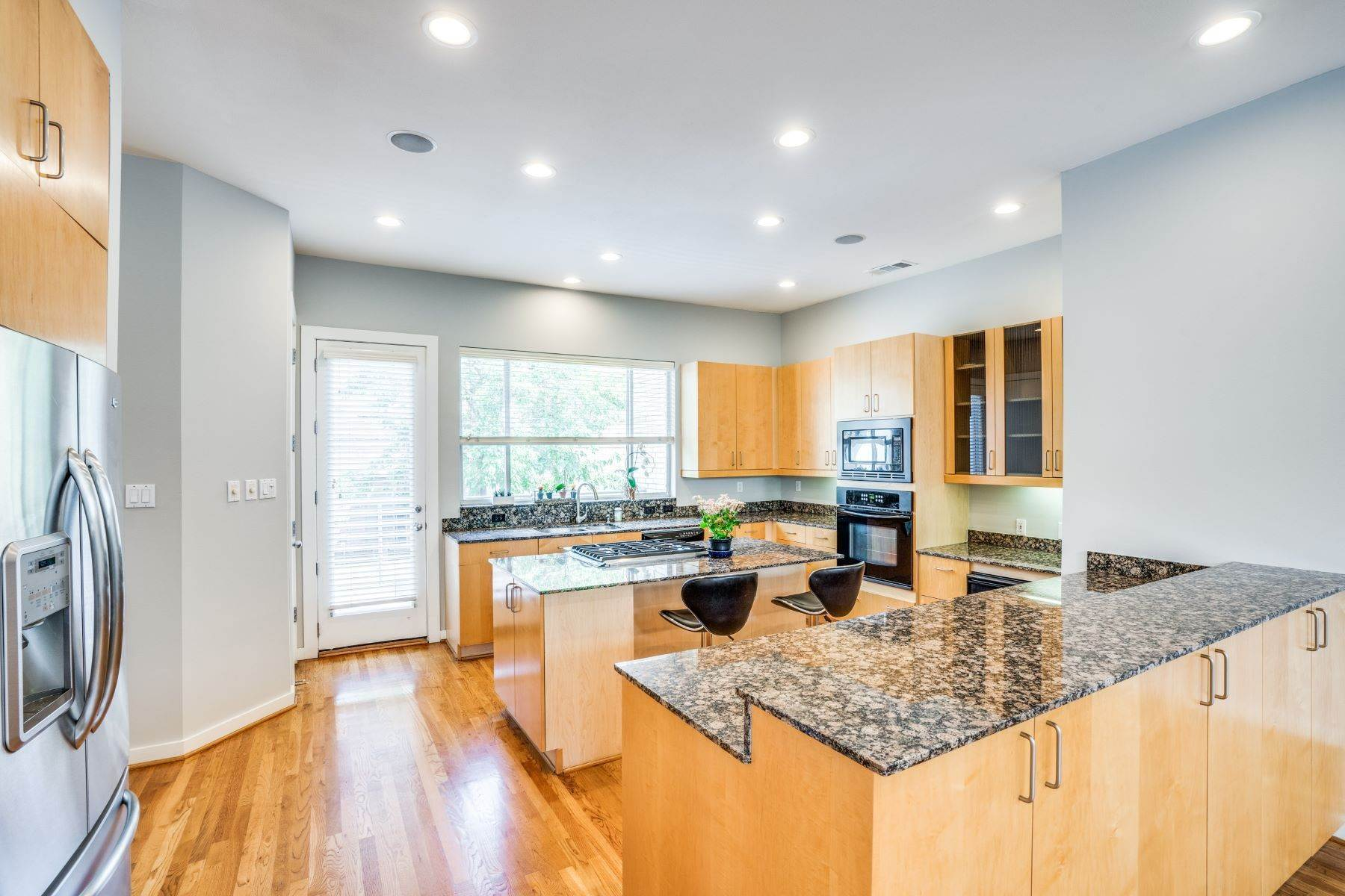 townhouses for Sale at Clean, Contemporary, Open Concept 3-Bedroom Townhouse 3925 Gilbert Avenue, #C Dallas, Texas 75219 United States